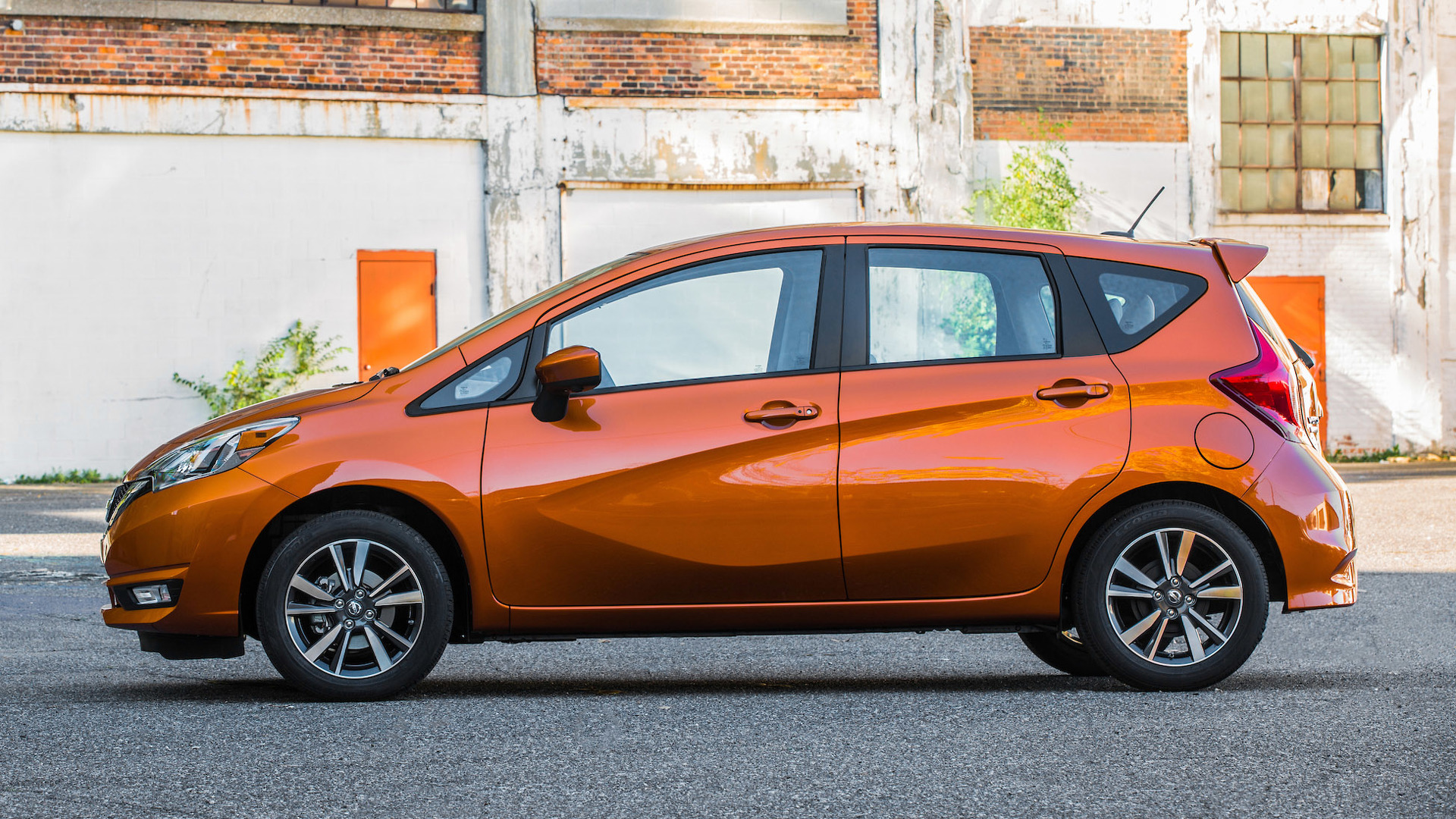 Nissan Might Be Killing Versa Note Hatch