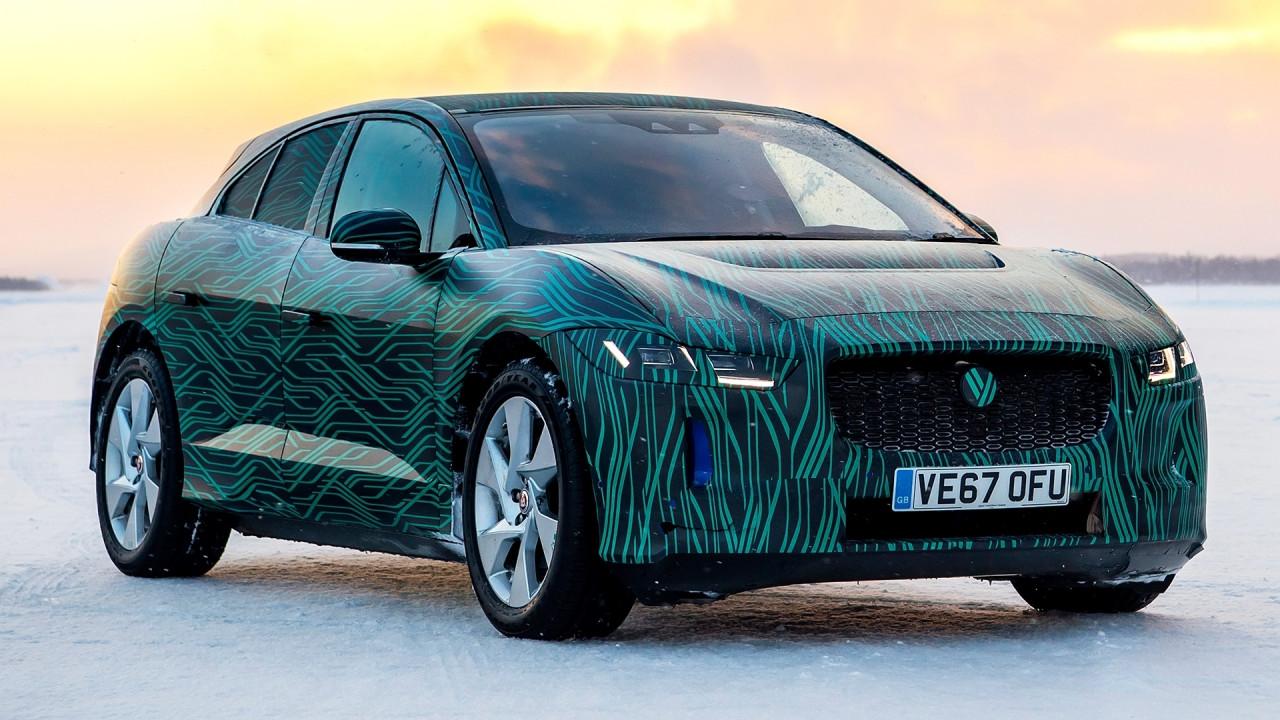 [Copertina] - Jaguar I-Pace, può fare il pieno elettrico in 45 minuti