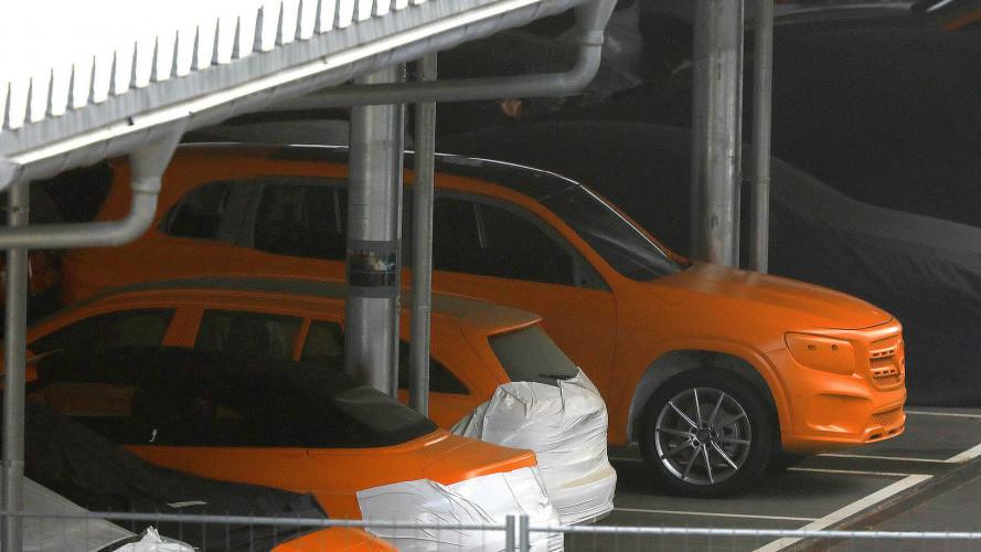 Mercedes GLB als Erlkönig: Quasi ungetarnt
