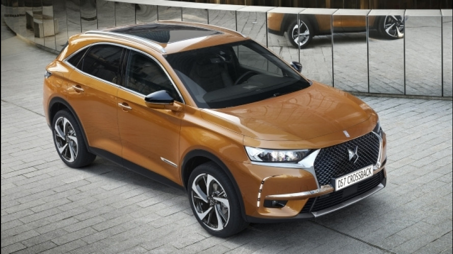 DS 7 Crossback, il SUV ispirato all'alta moda [VIDEO]