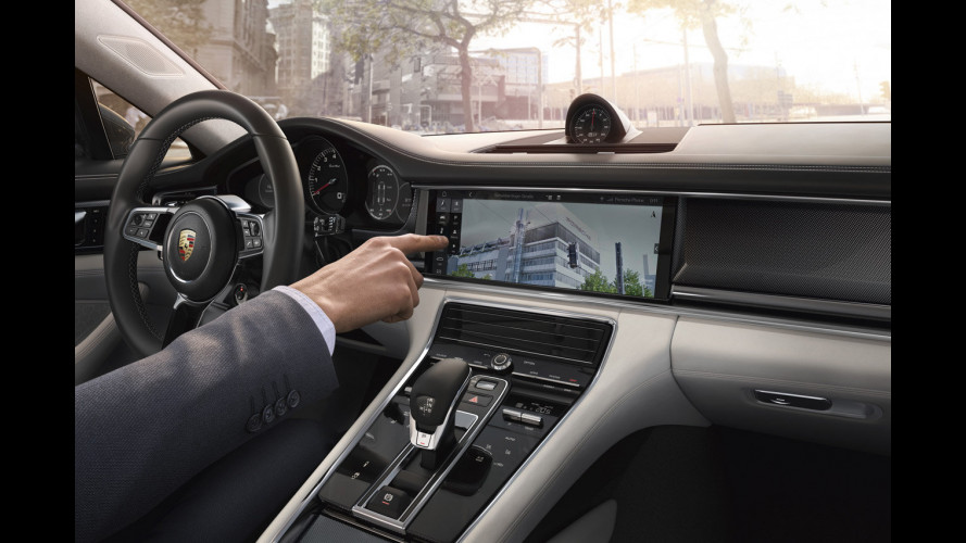 Nuova Porsche Panamera, l'infotainment si evolve [VIDEO]
