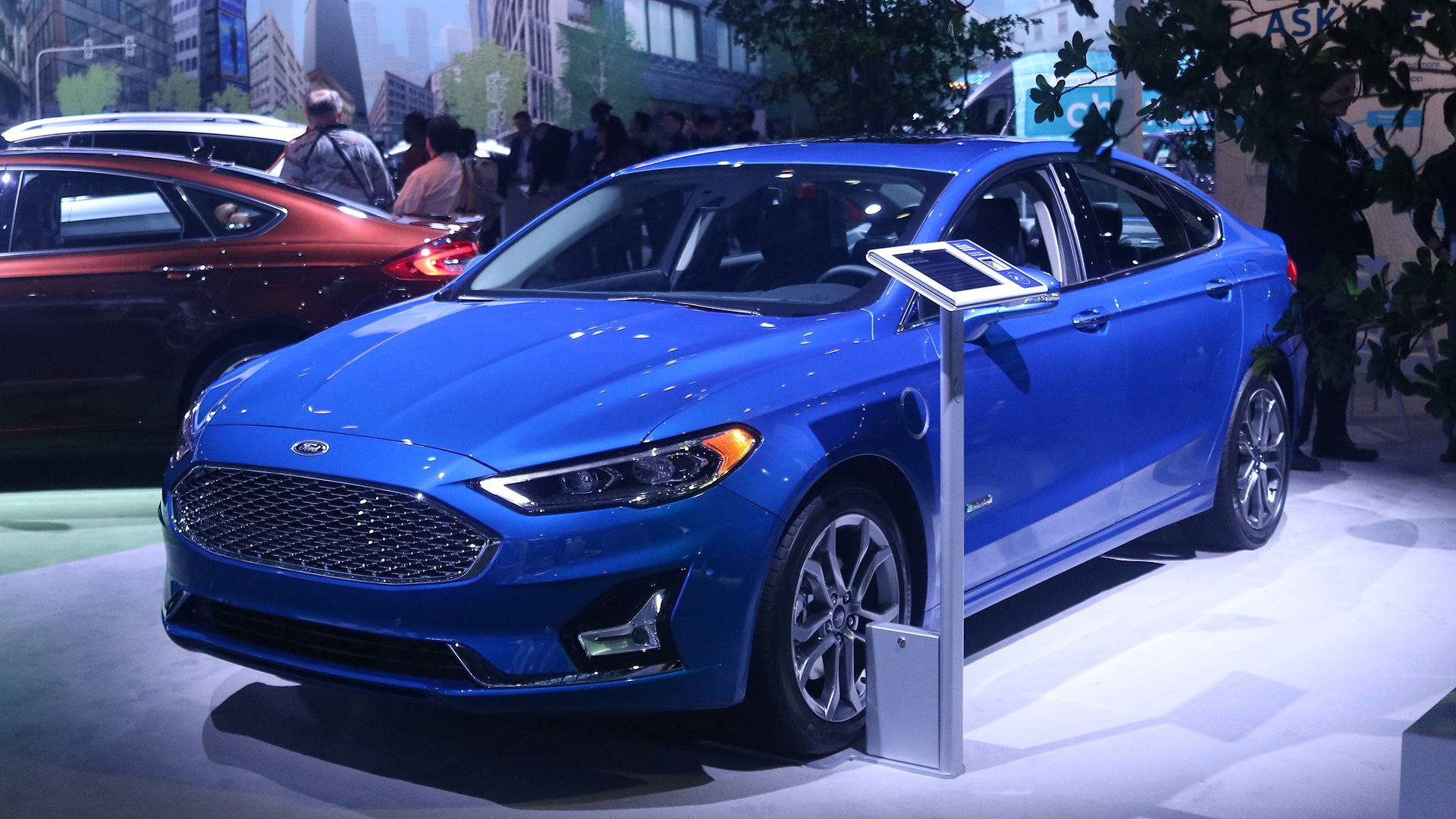 2019 Ford Fusion Gets Price Bump But It S Actually Better Value