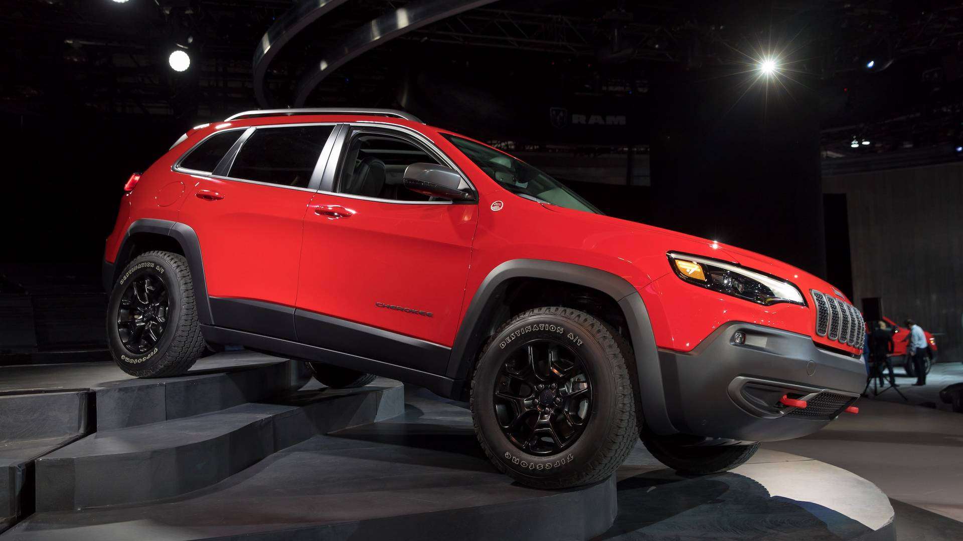 2019 Jeep Cherokee Gets A More Traditional Face Roomier Interior Power Wheels Wiring Diagram Besides