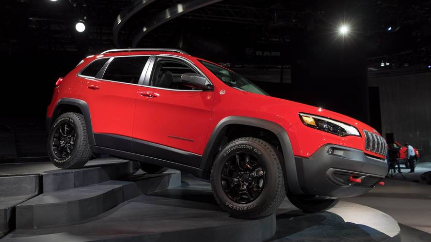 2019 Jeep Cherokee | Motor1.com Photos