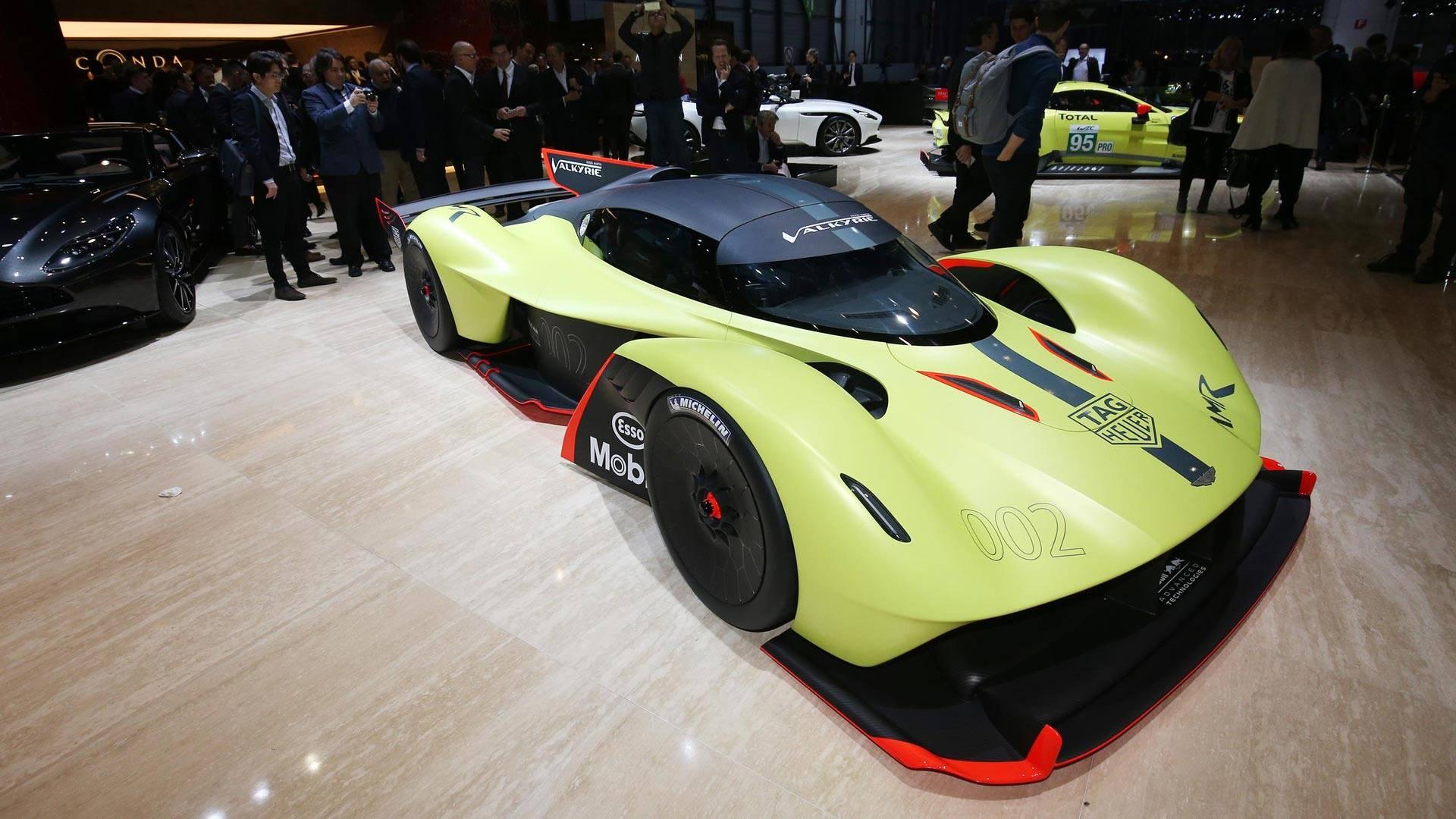 Aston Martin Valkyrie Amr Pro Packs 1 100 Hp Of Hybrid Fury