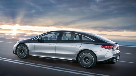 Mercedes upgrades its Car-To-X comms with audible pothole warnings