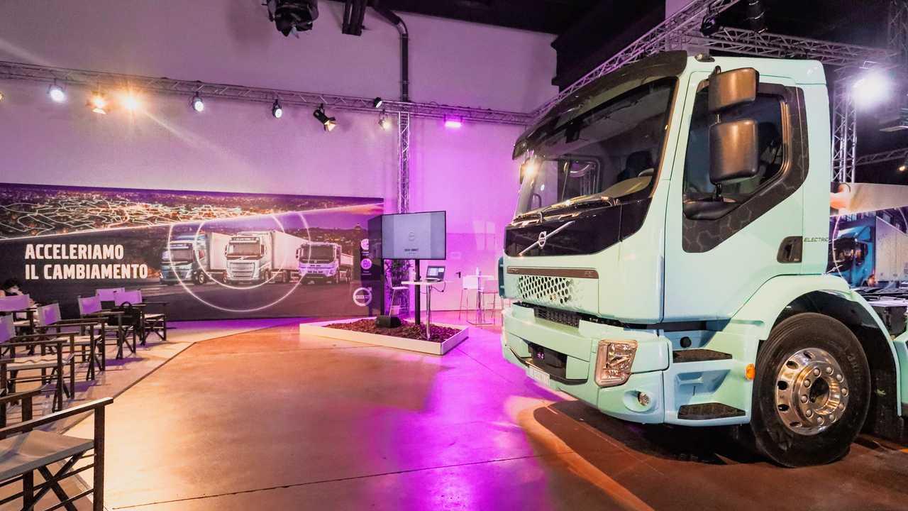 Volvo Electric Commercial Days tre quarti