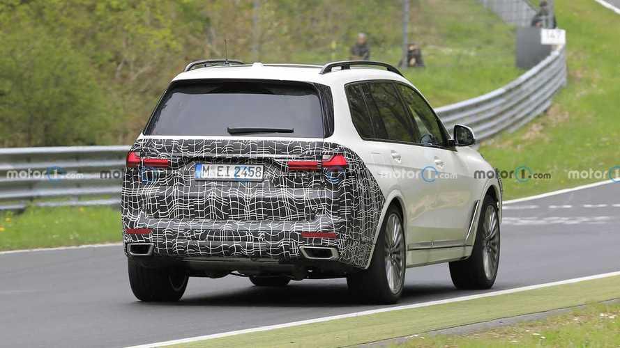 Makyajlı BMW X7 Nürburgring'de