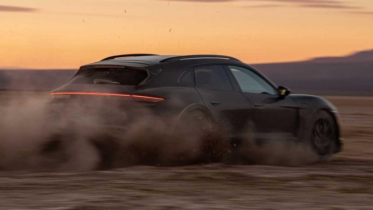 2022 Porsche Taycan Cross Turismo Posteriore 3/4