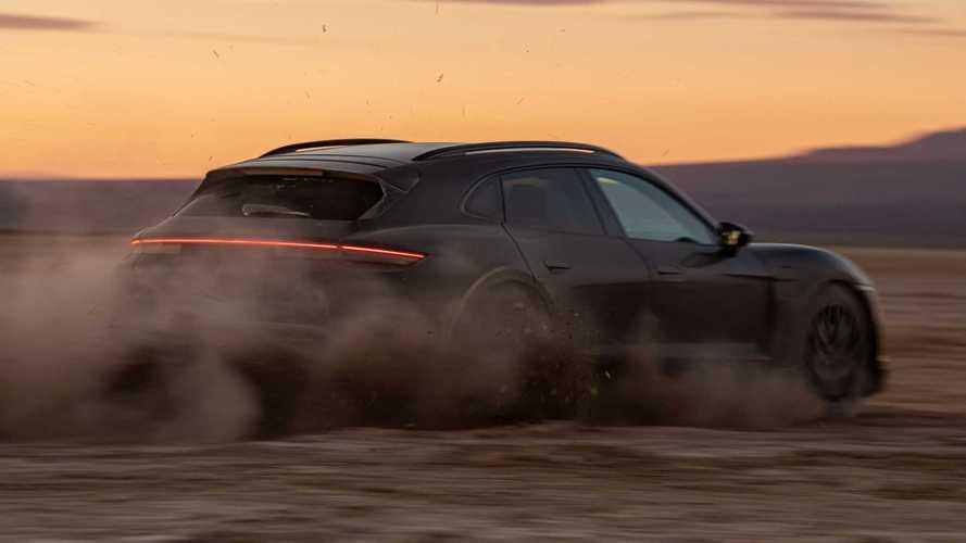 Come nasce una Porsche Taycan Cross Turismo: tra test in pista e... safari!
