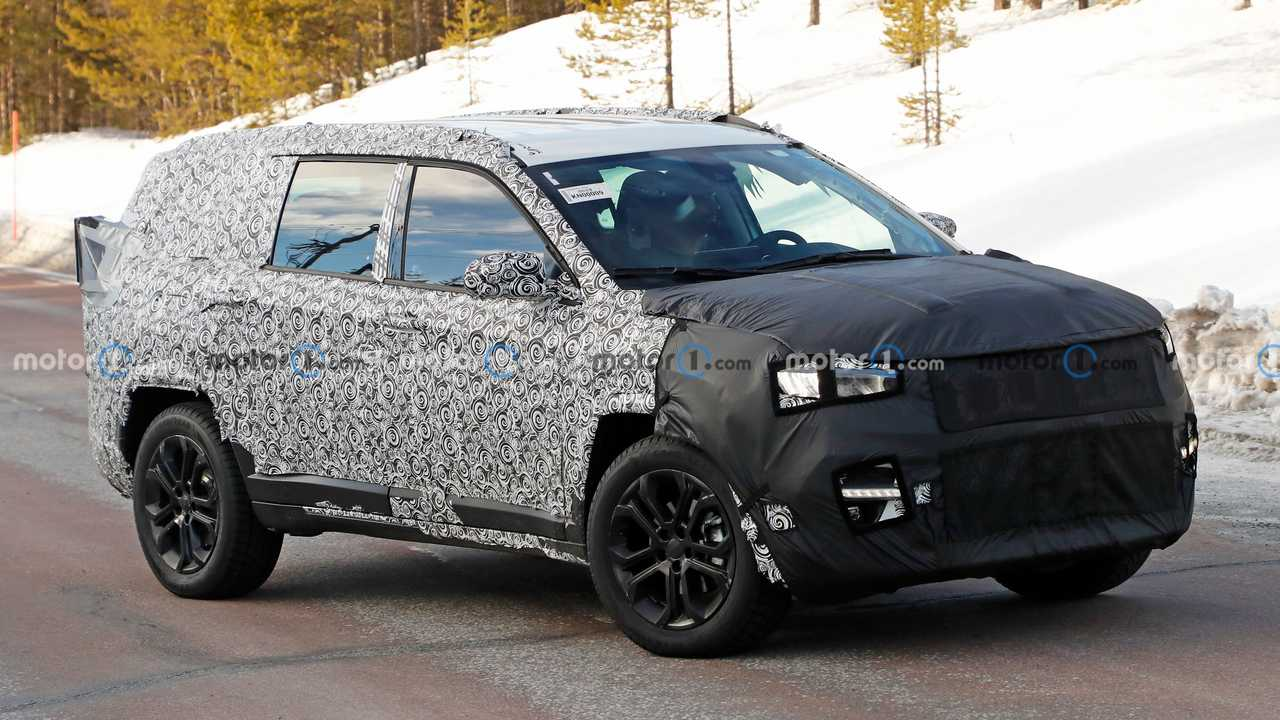 Il nuovo SUV a 7 posti di Jeep, le foto spia
