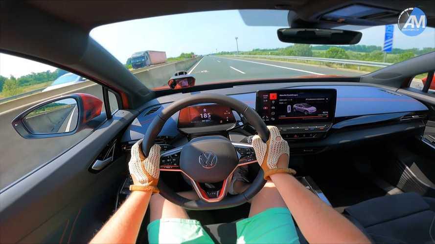 Volkswagen ID.4 GTX'in Almanya otobanlarında hızlanmasını görün