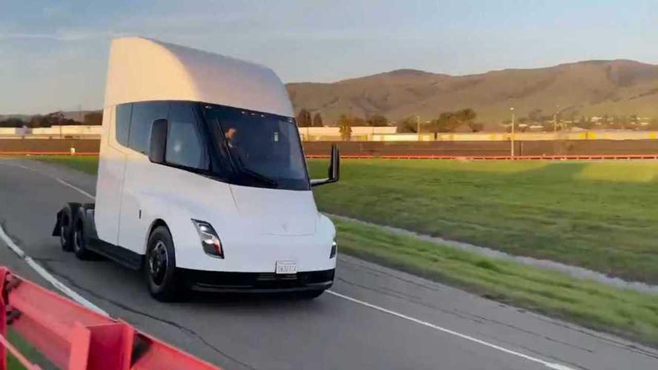 Tesla Semi prototipi 2021
