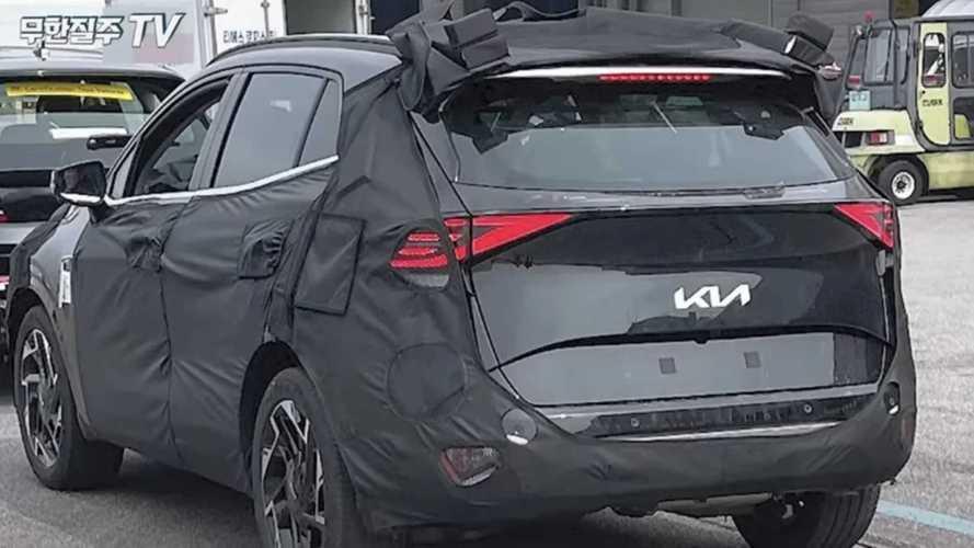 Novo Kia Sportage 2022: flagra revela visual da traseira por completo