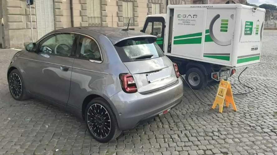 """La ricarica """"a domicilio"""" costa meno con la Fiat 500 elettrica"""