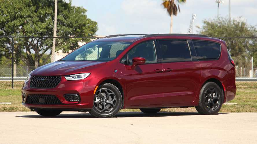2021 Chrysler Pacifica Hybrid: Review