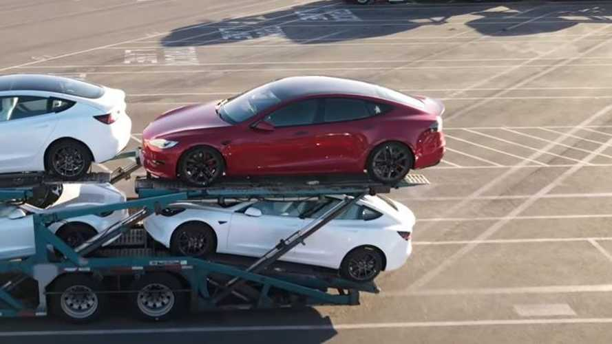 Several New Tesla Model S' Spotted At Fremont, Heading Out For Delivery