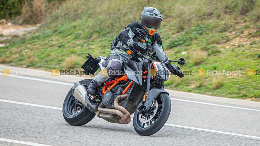 Spotted: KTM 1290 Super Duke RR Looks Extra Sharp In Carbon Fiber