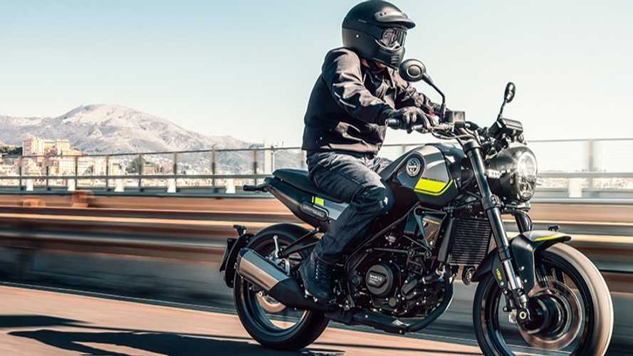 The Benelli Leoncino 250 Is A Stylish Beginner-Friendly Bike