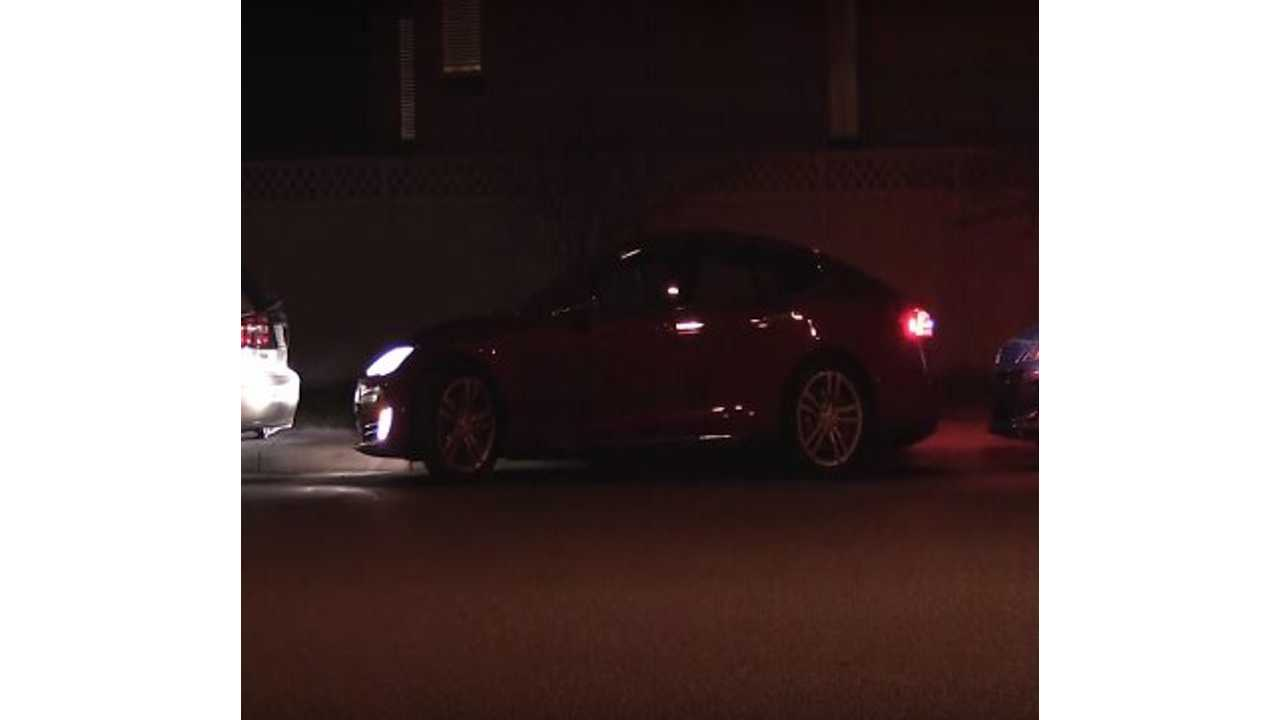 Tesla Model S Parallel Parks Itself In Extremely Tight Spot - Video