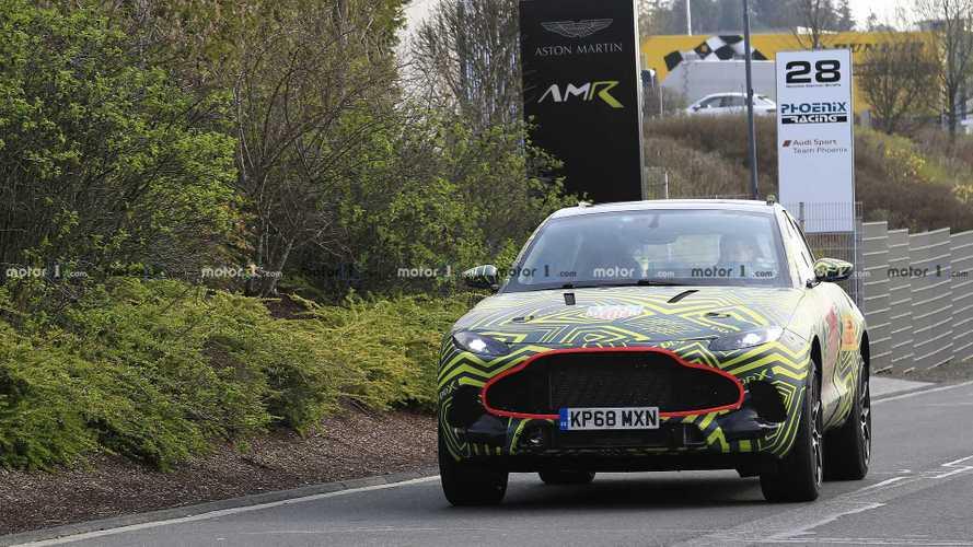 Aston Martin DBX, le foto spia