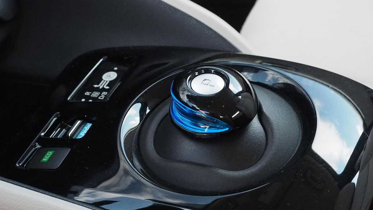 2018 Nissan Leaf shifter