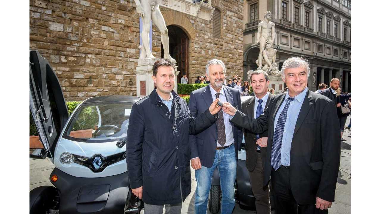 Bernard CHRETIEN, chief executive of Renault Italy and Dario NARDELLA, Mayor of Florence
