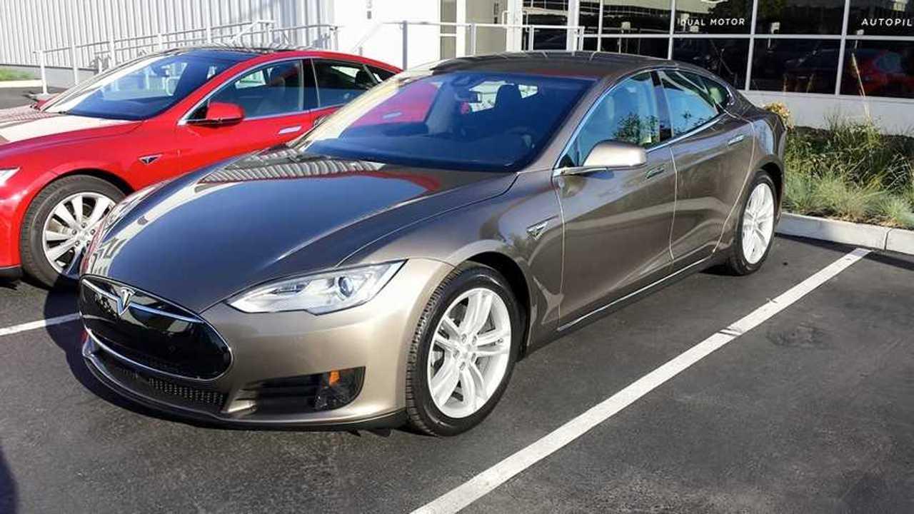 Automobile Magazine Test Drives Tesla Model S 70D