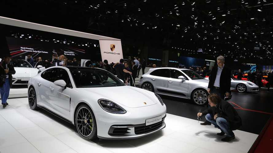 Porsche Panamera Turbo S E-Hybrid Shows Up In Geneva