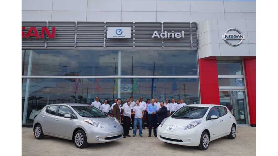 First And Second Nissan LEAFs Delivered in Puerto Rico - Video