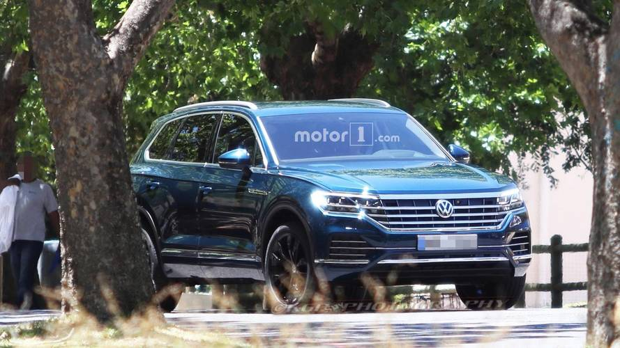 New spy pics capture 2018 Volkswagen Touareg in the metal