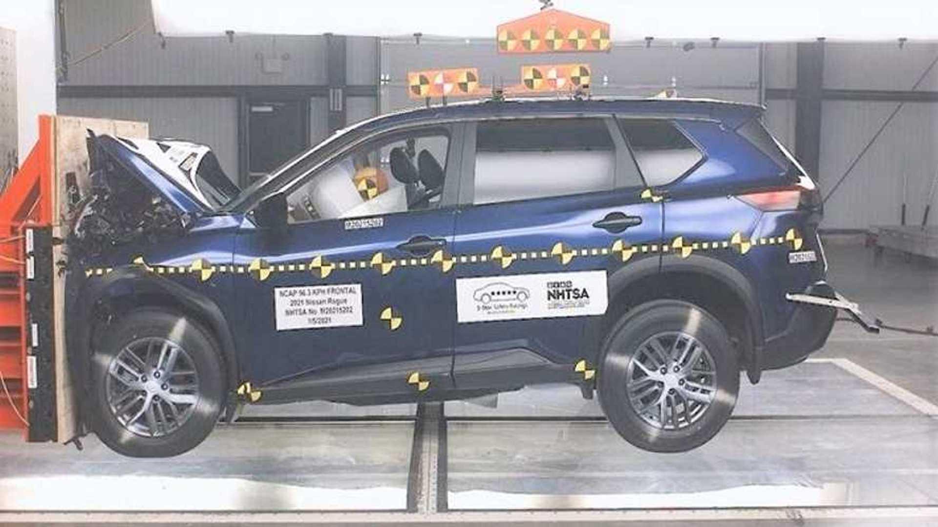 Результаты краш-тестов Nissan Rogue 2021 года в рейтинге редких пассажиров — две звезды