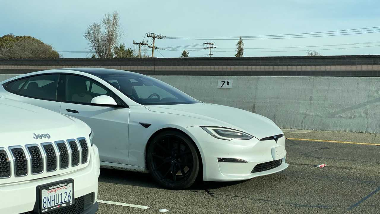 Tesla Model S Plaid scoop