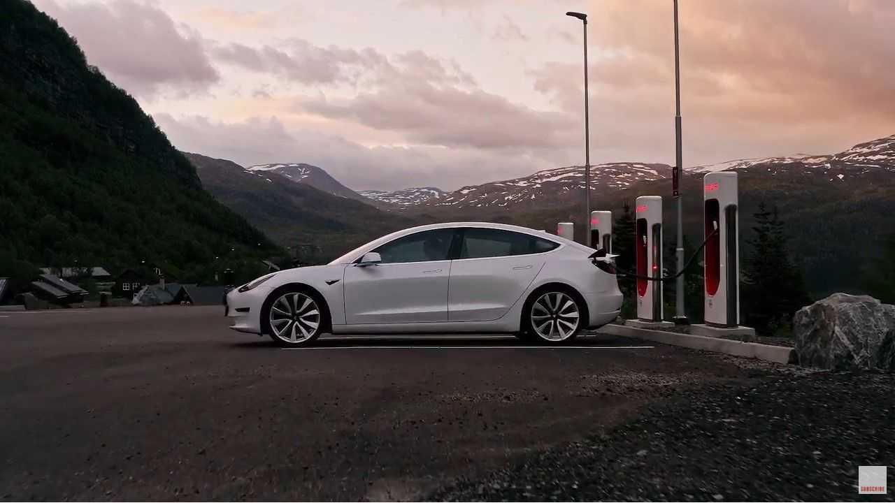 Tesla spec ad in Norway
