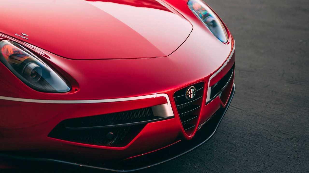 Alfa Romeo Logosu