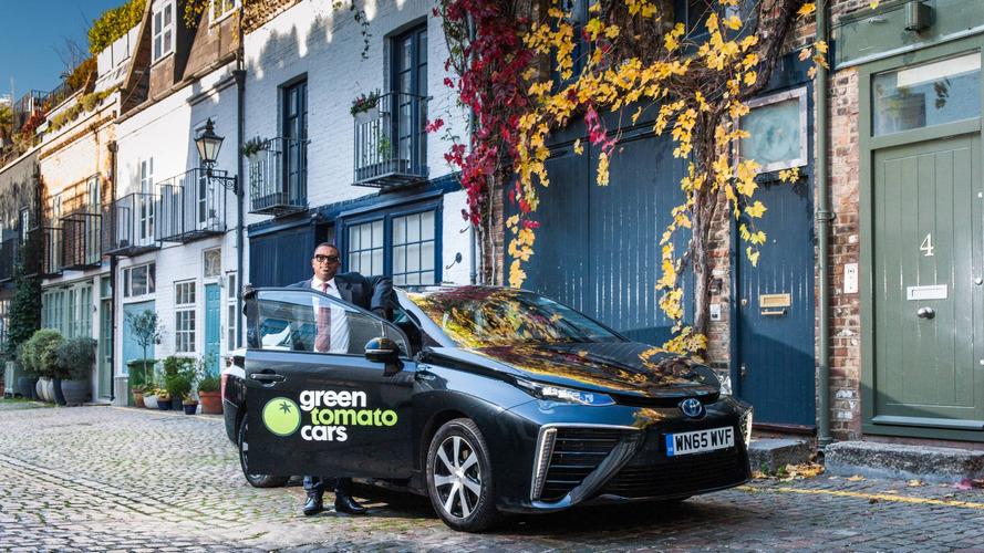 Motorista de Londres é o primeiro a rodar 25 mil milhas com o Toyota Mirai
