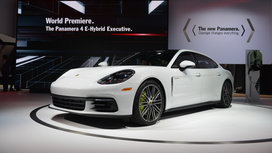 Porsche Panamera 4 E-Hybrid Executive LWB her şeyi yapmak istiyor