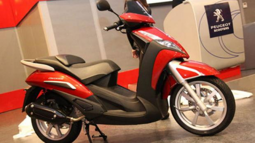 Nuovo Peugeot Geopolis 300 2013 a Motodays