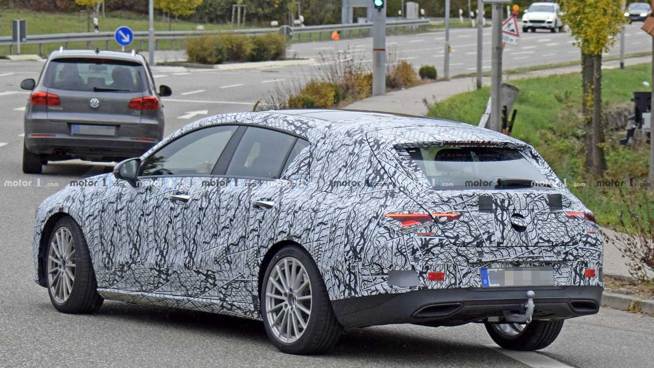 new mercedes cla shooting brake shows wider tailgate in spy shots. Black Bedroom Furniture Sets. Home Design Ideas