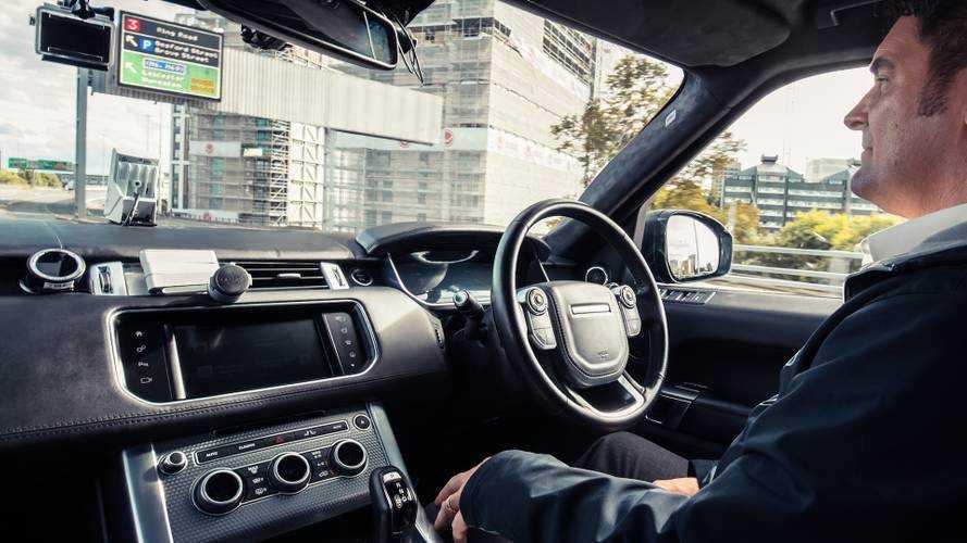Range Rover, guida autonoma entro 10 anni