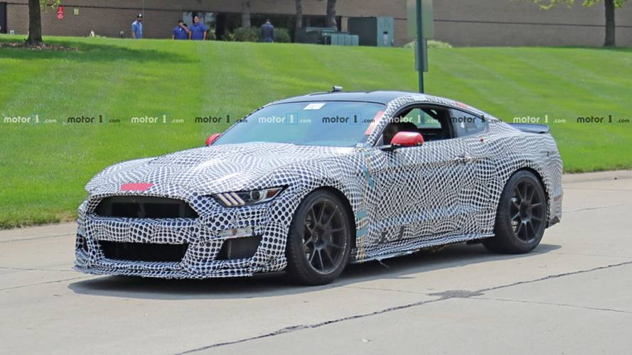 La Ford Mustang Shelby GT500 veut terrasser ses concurrentes