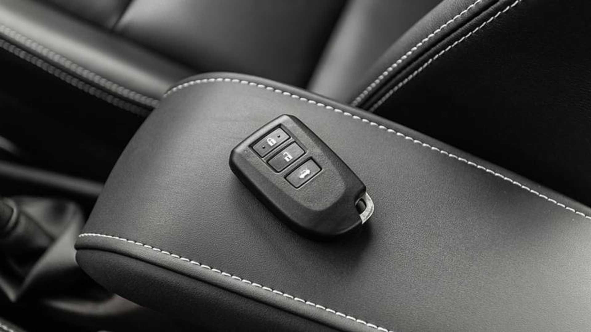 Toyota Yaris Hatch fica mais caro - Veja tabela de preços completa Toyota-yaris-13-xl-plus-tech-teste-br