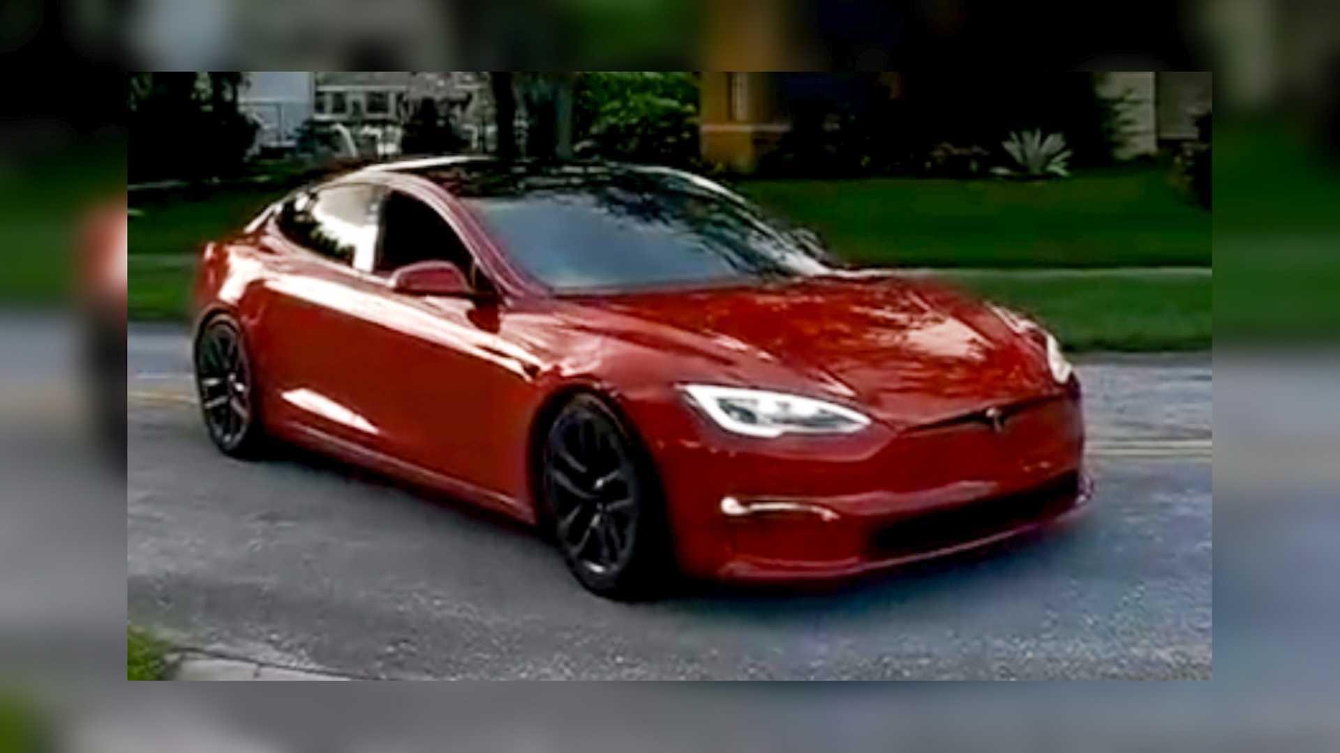 Tesla Model S Plaid Making Hellcat Noises Sounds Ridiculous