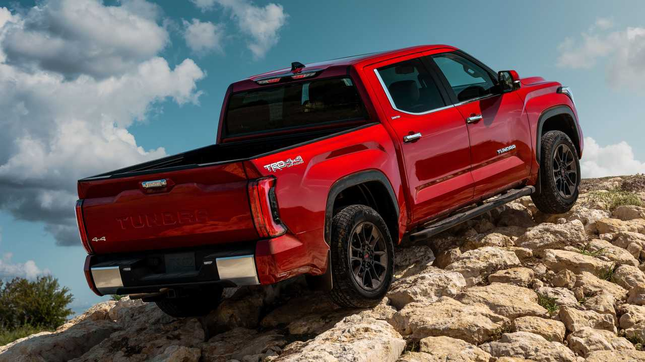 2022 Toyota Tundra Limited TRD Offroad Exterior Rear