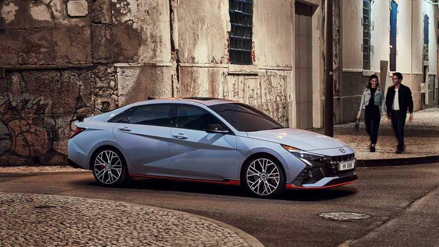 2021 Hyundai Elantra N, sportif yüzünü gösterdi!