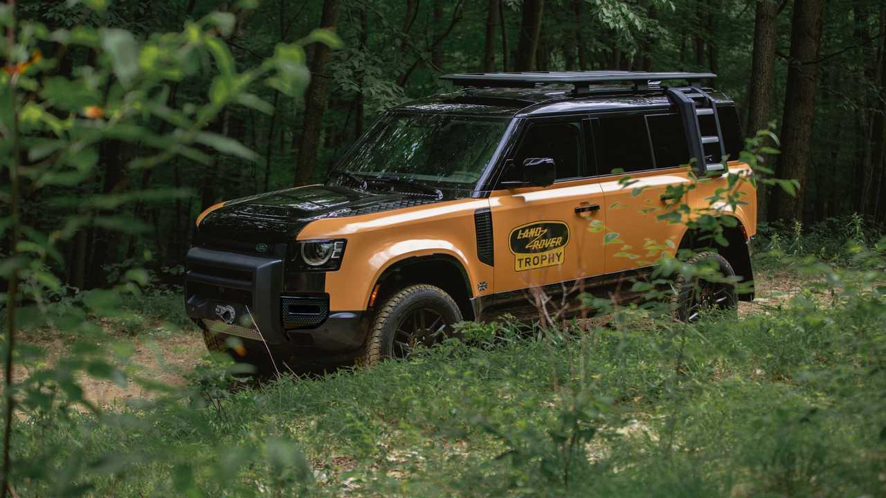 Die Land Rover Defender Trophy Edition mit viel Offroad-Zubehör