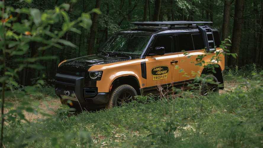 Land Rover Defender Trophy Edition mit viel Offroad-Zubehör