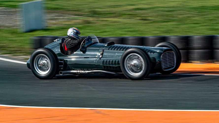 Ricostruita la storica BRM F1 del '53 con motore V16 da 600 CV