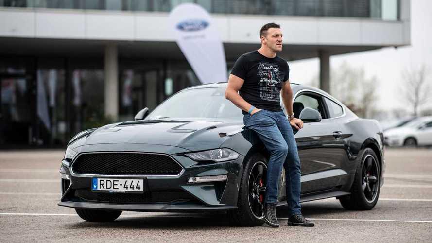 Különleges Bullitot kapott Kiss Gergely a Mustang 55. születésnapja alkalmából