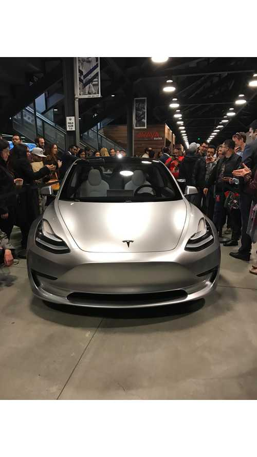 Analyst Believes Tesla Is Definitely On Track For Model 3 Production In 2017